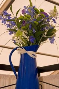 Blue cottage style decoration