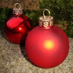 Plain Red Bauble Placecard Holders at   ' £1.65 Each