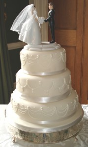 Ruth & Thomas' Wedding Cake