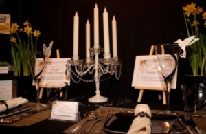 Creative black table setting